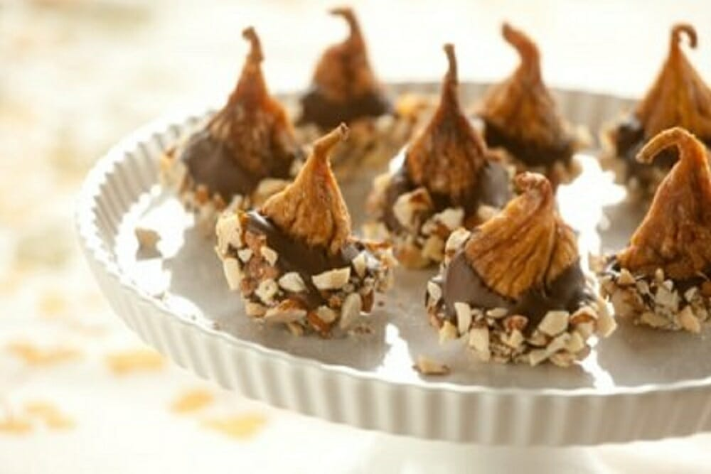 CHOCOLATE-DIPPED FIGS